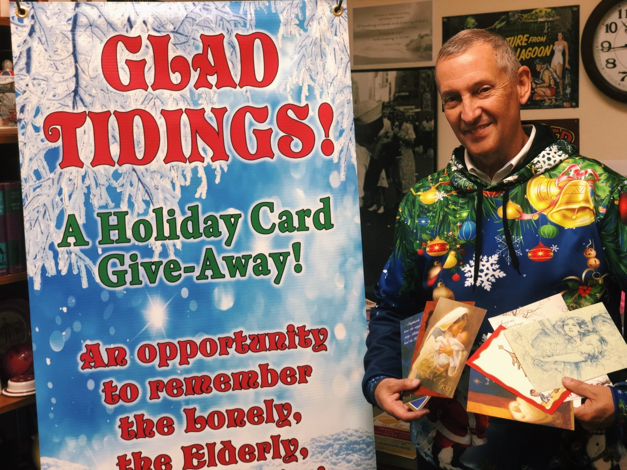 Volunteers sought for card giveaway, Nov. 22